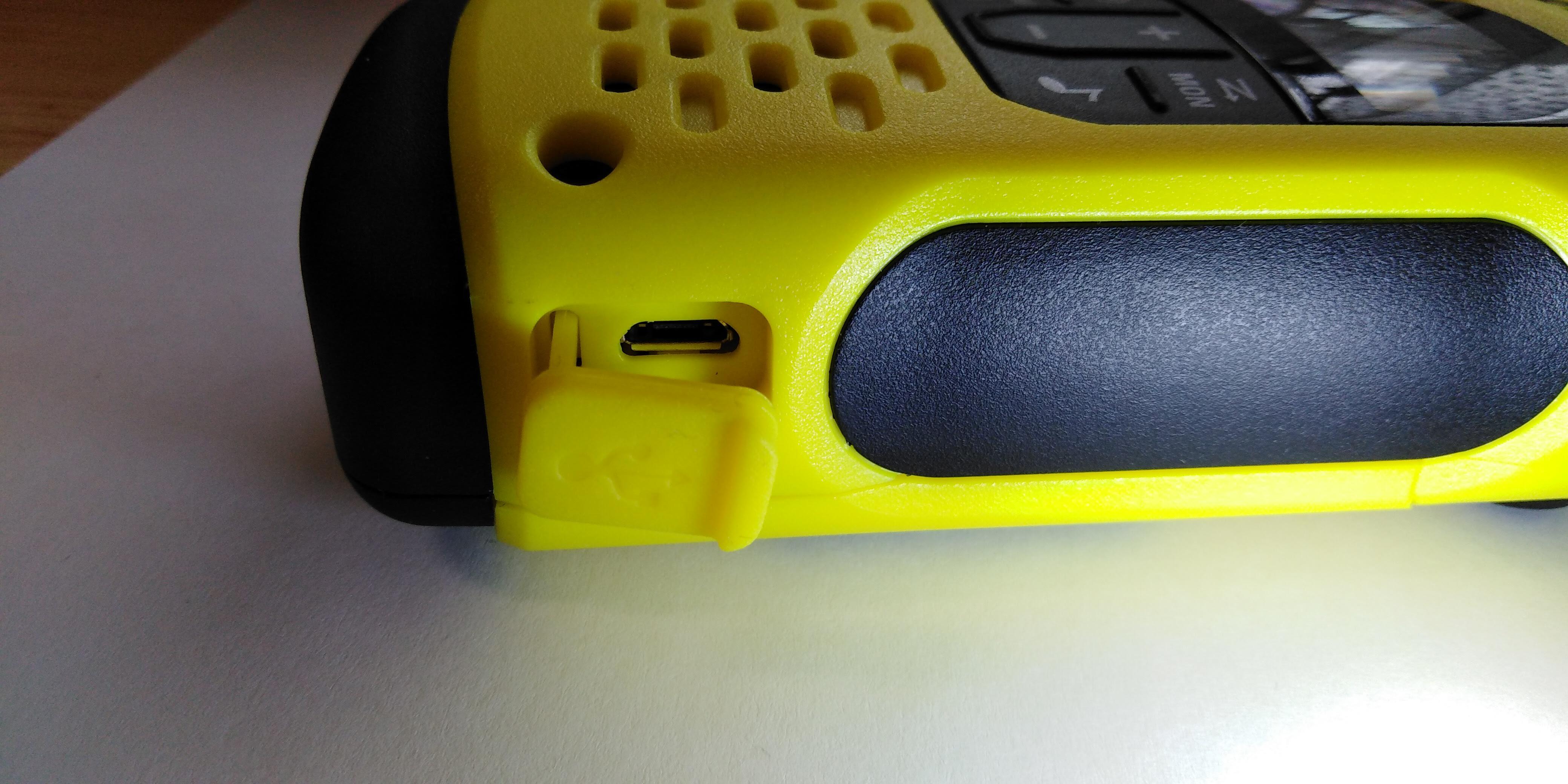 Motorola T92 h2o Ha betompul a hangszóró.