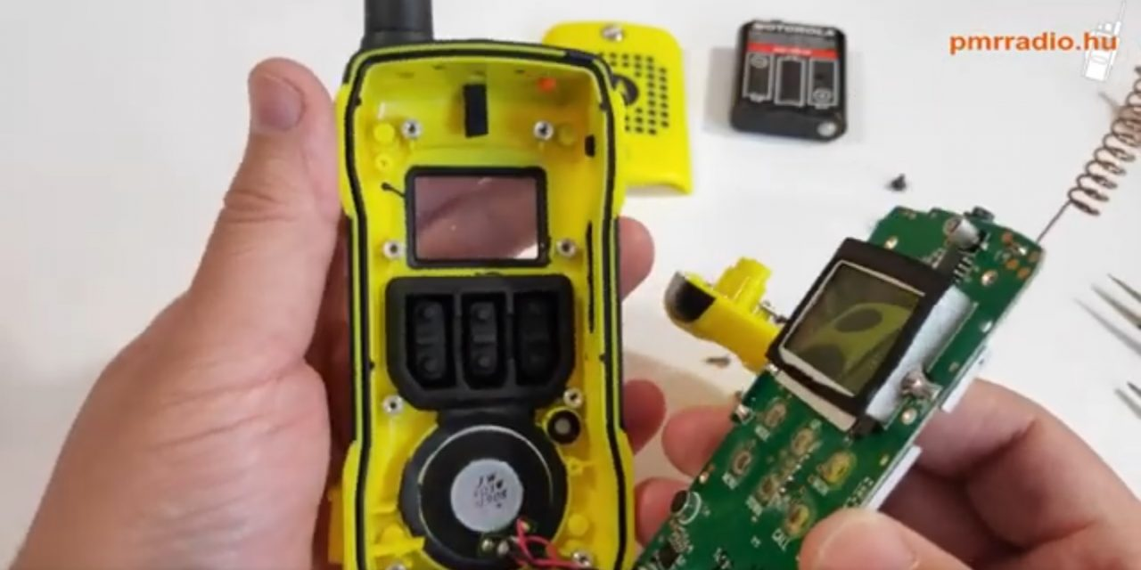 Motorola T92H2O szétszedve.